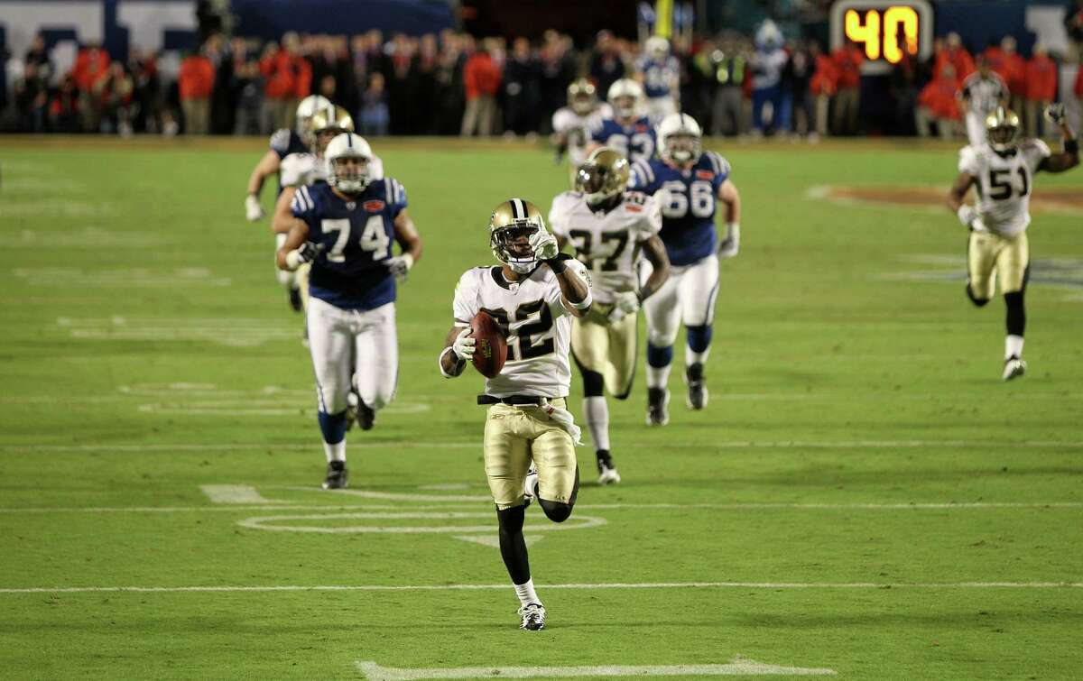 MIAMI GARDENS, FL - FEBRUARY 07: Tracy Porter #22 of the New Orleans Saints returns a interception for touchdown against of the Indianapolis Colts during Super Bowl XLIV on February 7, 2010 at Sun Life Stadium in Miami Gardens, Florida. (Photo by Ezra Shaw/Getty Images)