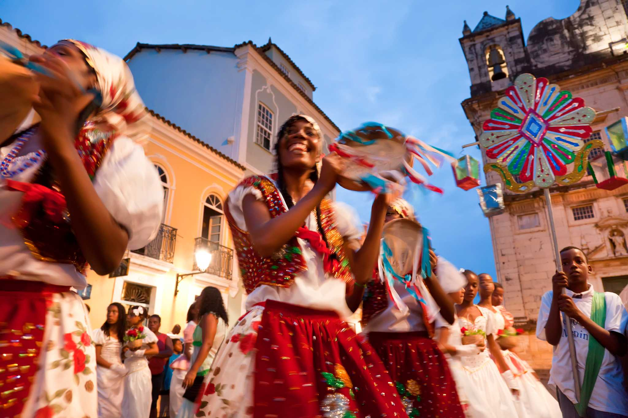 music to spice up your christmas with the latin navidad houstonchroniclecom - Christmas Traditions In Brazil