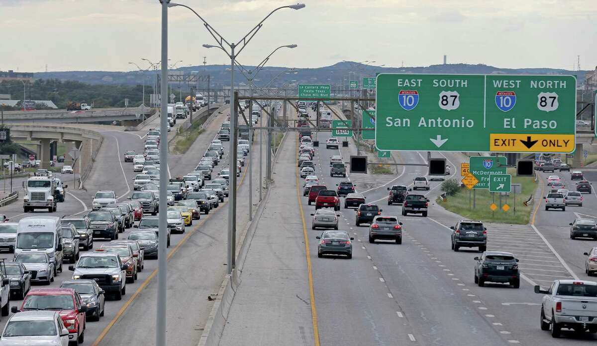 A view of traffic on Loop 1604 at the Interstate 10 interchange in October. This section of 1604, extending from Bandera Road to Interstate 35, is proposed for expansion by four lanes, but with tolls attached.