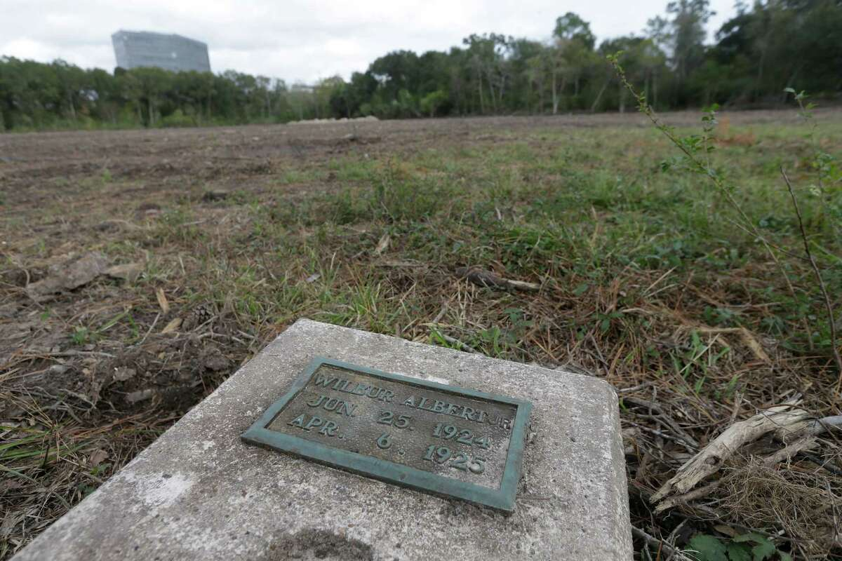 A grave stone with an inscription reading Wilbur Albert Jr. Jun 25, 1924 Apr 6, 1925 is shown in the Aldine Cemetery on Aldine Meadows Rd. Sunday, Dec. 11, 2016, in Houston.