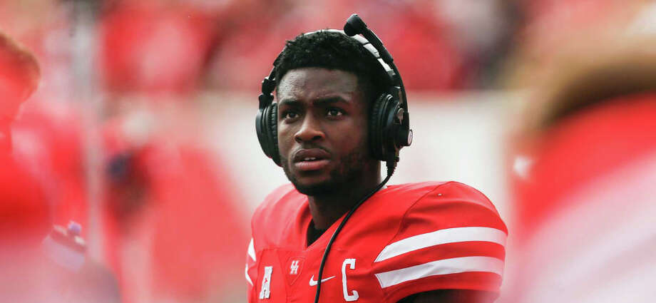 Houston quarterback Greg Ward Jr. (1) stands on the sidelines before an NCAA football game against Lamar at TDECU Stadium on Saturday, Sept. 10, 2016, in Houston. Ward was injured last week against Oklahoma and did not start Saturday. ( Brett Coomer / Houston Chronicle ) Photo: Brett Coomer/Houston Chronicle