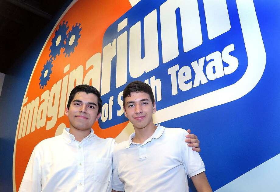 United High School sophomores Roberto Ponce and Anthony Martinez pose for a photo at the Imaginarium of South Texas. Martinez and Ponce are co-founders of Youth Science Leaders of Laredo. Photo: Cuate Santos / Laredo Morning Times