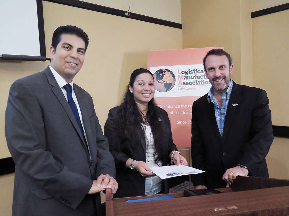 LMA President Alma Acevedo, center, poses with presenters at the group's meeting, left, Oscar Magaña, U.S. Department of Commerce and Guillermo Fernández de Jáuregui Velasco, President INDEX Thursday morning at the Embassy Suites. Photo: Cuate Santos /Laredo Morning Times / Laredo Morning Times