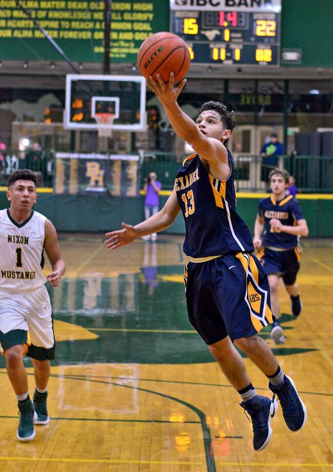 Alexander won twice during the PSJA North Tournament on Thursday. The Bulldogs defeated Harlingen South 69-54 before topping Edcouch Elsa 89-53. Photo: Cuate Santos /Laredo Morning Times File / Laredo Morning Times
