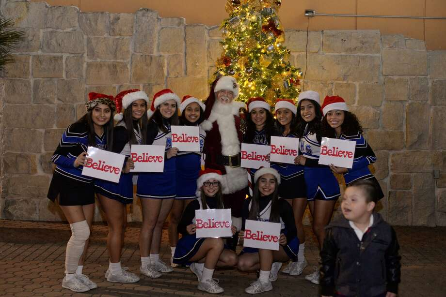 The Quarry Village's second annual Holiday Block Party made San Antonio a winter wonderland with real snow, carolers and a Christmas tree lighting on Thursday, Dec. 11, 2016. Photo: Kody Melton, For MySA.com