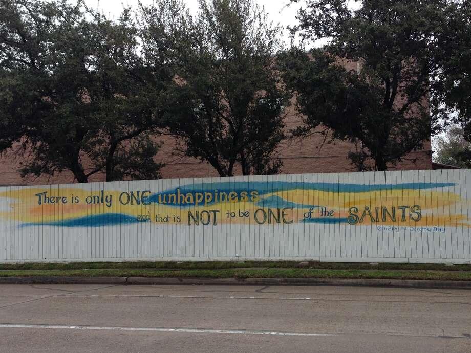 The fence outside Casa Juan Diego. Photo: Bridget Balch, Houston Chronicle