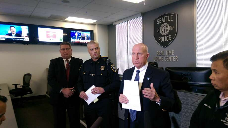 Assistant Chief Robert Merner gives updates Friday afternoon on the Thursday night slaying of 45-year-old My-Linh Nguyen in South Seattle. Photo: Lynsi Burton/seattlepi.com