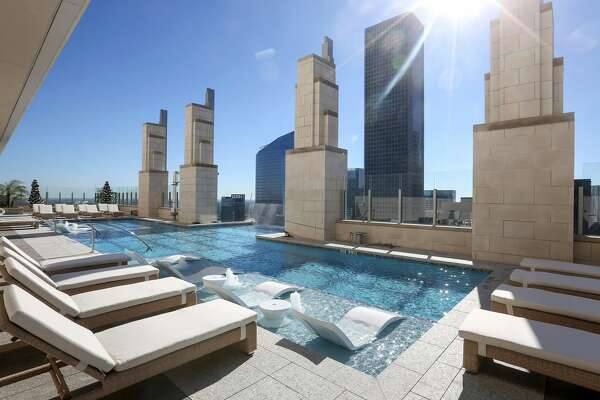 The rooftop pool at the Market Square Tower is seen, Tuesday, Dec. 6, 2016, in Houston. ( Jon Shapley / Houston Chronicle )