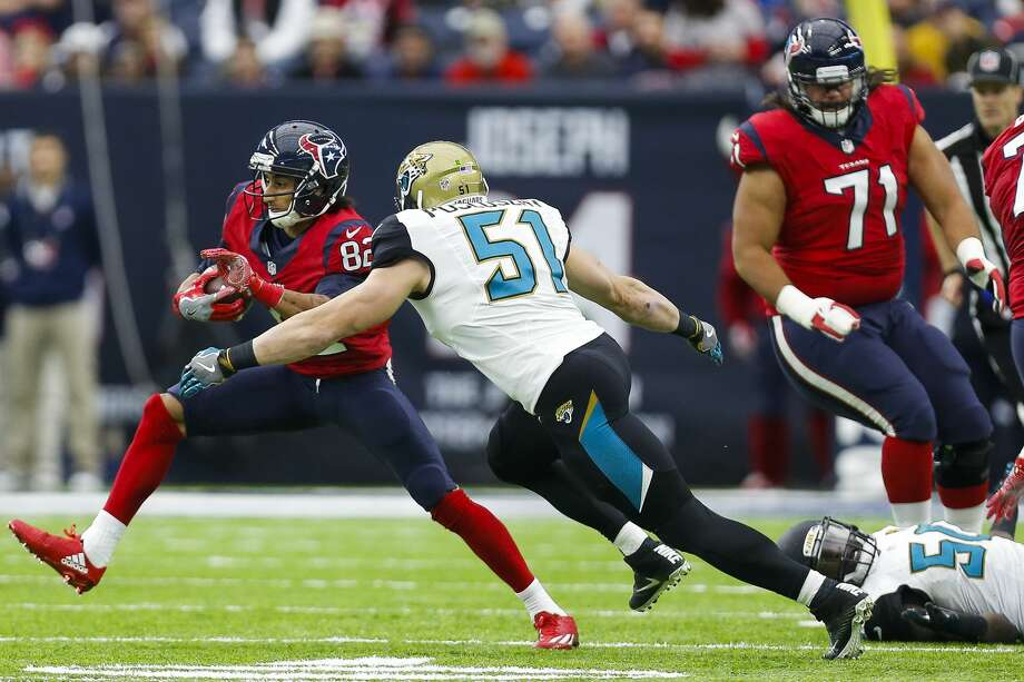 Houston Texans wide receiver Wendall Williams makes a run past Jacksonville Jaguars middle linebacker Paul Posluszny (51) during the first quarter of an NFL game at NRG Stadium Sunday, Dec. 18, 2016 in Houston. ( Michael Ciaglo / Houston Chronicle ) Photo: Michael Ciaglo/Houston Chronicle