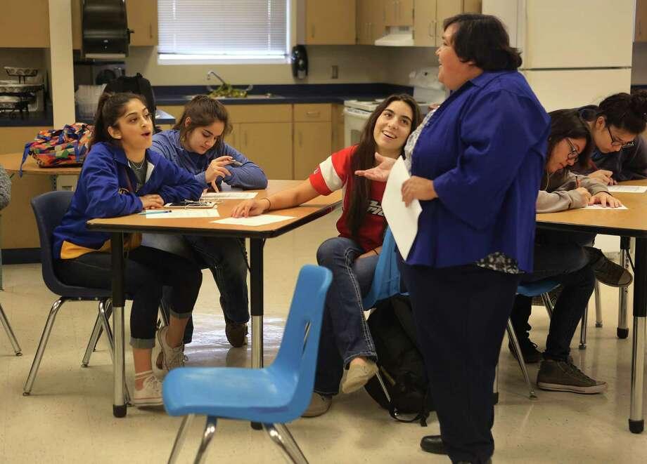 Students at Freer High School, Wednesday, Dec. 7, 2016. ( Mark Mulligan / Houston Chronicle ) Photo: Mark Mulligan, Staff / © 2016 Houston Chronicle