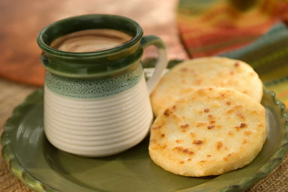 Areparecipe by Giselle Blondet.