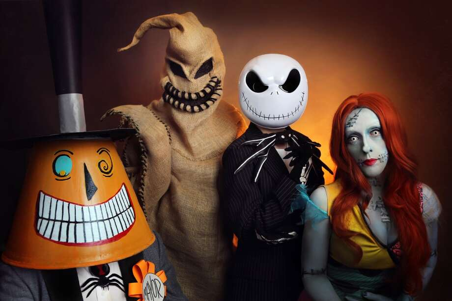 photographer amanda chapman of tuscumbia alabama dressed her family as characters from the nightmare - Nightmare Before Christmas Characters