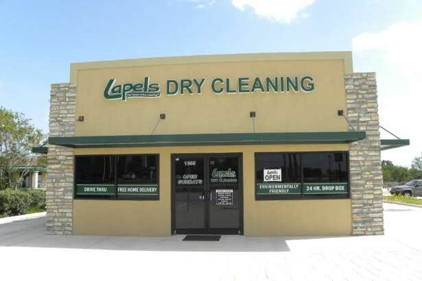 Massachusetts-based Lapels Dry Cleaning will add five stores and a dry cleaning plant in the Houston area in 2017.