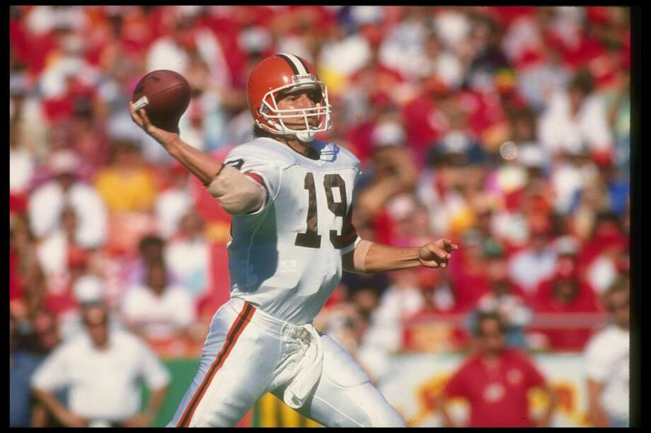 Bernie Kosar, Browns (1993)After eight good seasons in Cleveland, Kosar was benched during the third game of the 1993 season. With the Browns trailing the Raiders 13-0 in the fourth quarter, Bill Belichick yanked Kosar in favor of Vinny Testaverde, who led the Browns to a comeback win and was named the full-time starter. Kosar temporarily returned to the starting lineup when Testaverde was hurt later in the season, but he was cut in Week 10. Kosar resurfaced with the Cowboys and Dolphins, and Testaverde led the Browns to the playoffs the next season. Photo: Jonathan Daniel/Getty Images