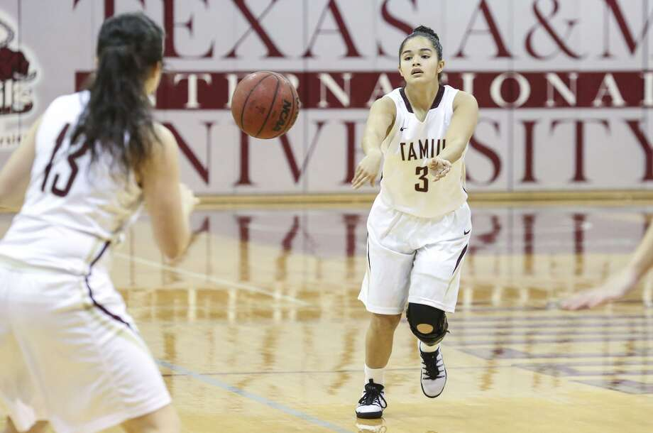 TAMIU point guard Joanna Perez battled an ankle injury but finished with 17 points, three rebounds and four assists as the Dustdevils won their first game of the season 45-39 over Rogers State. Photo: Victor Strife /Laredo Morning Times