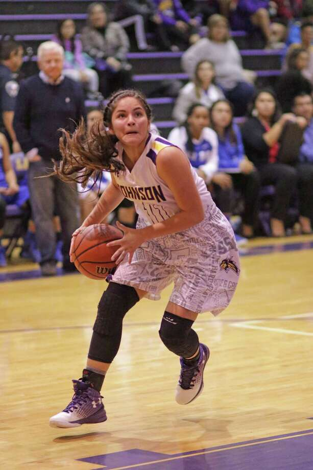 Janette Loera scored a team-high 11 points Tuesday in LBJ's 54-39 loss to Del Rio. Photo: Clara Sandoval /Laredo Morning Times
