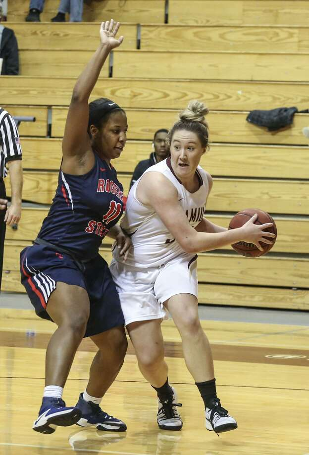 Hannah Beede continues to have a dominant season for the Dustdevils as she ranks in the top three in the conference in points, rebounds, 3-pointers, 3-point percentage and minutes. Photo: Victor Strife /Laredo Morning Times File