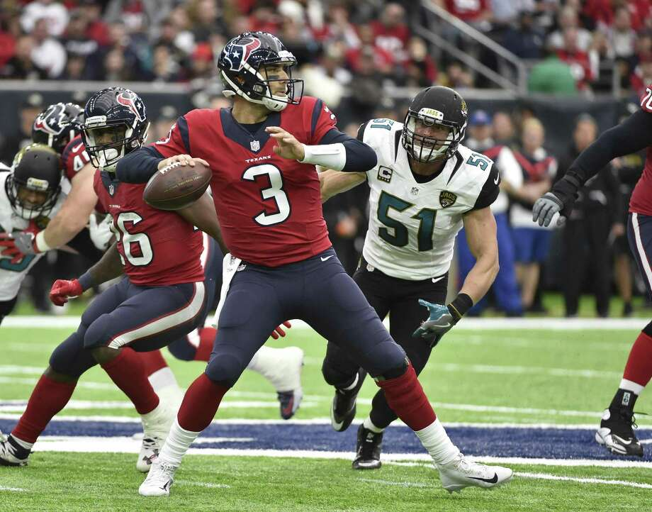 Tom Savage finished with the third-most passing yards in a game for the Texans this season Sunday throwing for 260 yards in less than three quarters of work after replacing Brock Osweiler. Photo: Eric Christian Smith /Associated Press / FR171023 AP