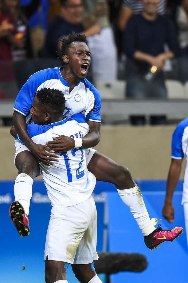 BELO HORIZONTE, BRAZIL - AUGUST 13: ELIS Alberth of Honduras celebrates a scored goal against Republic of Korea during a match between Republic of Korea and Honduras as part of Men`s Football - Olympics at Mineirao Stadium on August 13, 2016 in Belo Horizonte, Brazil. (Photo by Pedro Vilela/Getty Images) Photo: Pedro Vilela/Getty Images