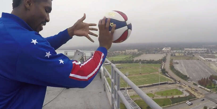Harlem Globetrotters star Thunder Law was recently able to make a 260-foot trick shot off the top of NRG Stadium. The basketball squad is playing three games at NRG Arena on Dec. 26 and Dec. 27. Photo: Harlem Globetrotters