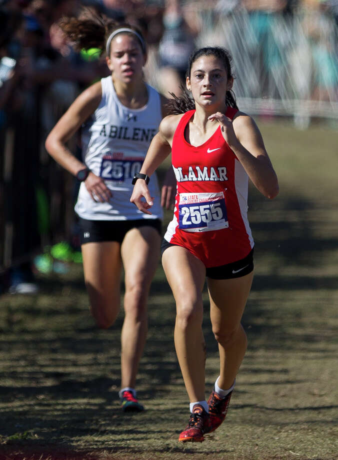 Julia Heymach, of Lamar, finished first overall in Class 6A girls race during the UIL state cross country championships at Old Settlers Park Saturday, Nov. 12, 2016, in Round Rock. Photo: Jason Fochtman, Staff Photographer / Houston Chronicle