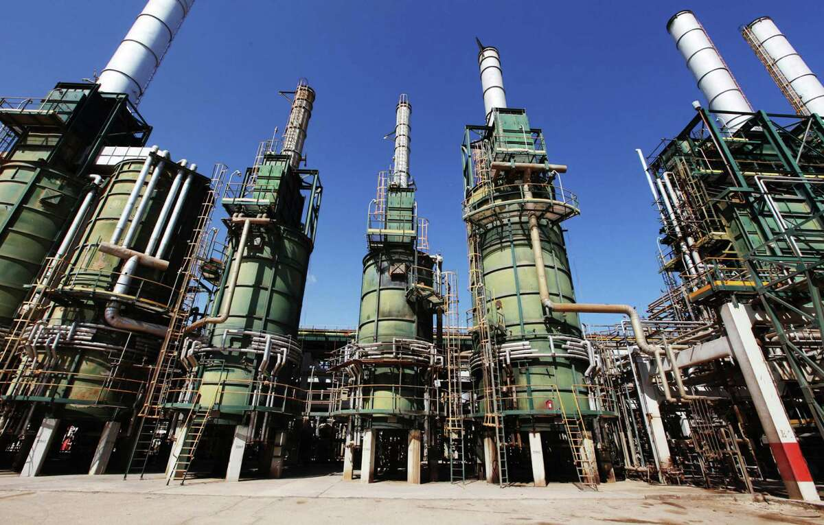 Libya boosted oil output to more than 1.1 million barrels a day, inching closer to the level it was producing at before the country's civil war all but shut down its energy industry in January.