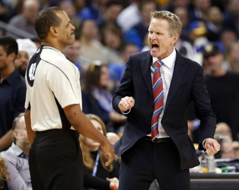 Golden State Warriors' head coach Steve Kerr reacts to a technical foul call on Draymond Green in 2nd quarter against Utah Jazz during NBA game at Oracle Arena in Oakland, Calif., on Tuesday, December 20, 2016. Photo: Scott Strazzante, The Chronicle