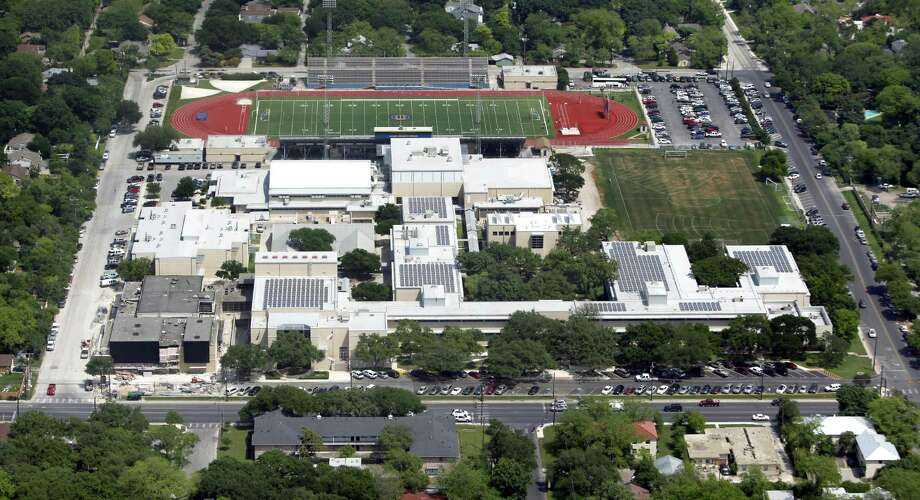 Alamo Heights High School is seen in this aerial photo. Jennifer Roland, who served as athletic director at Alamo Heights ISD since 2016, has stepped down from that position. Photo: William Luther /San Antonio Express-News / © 2012 WILLIAM LUTHER
