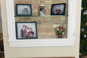 Some Christmas decorations help sell a home - Photo