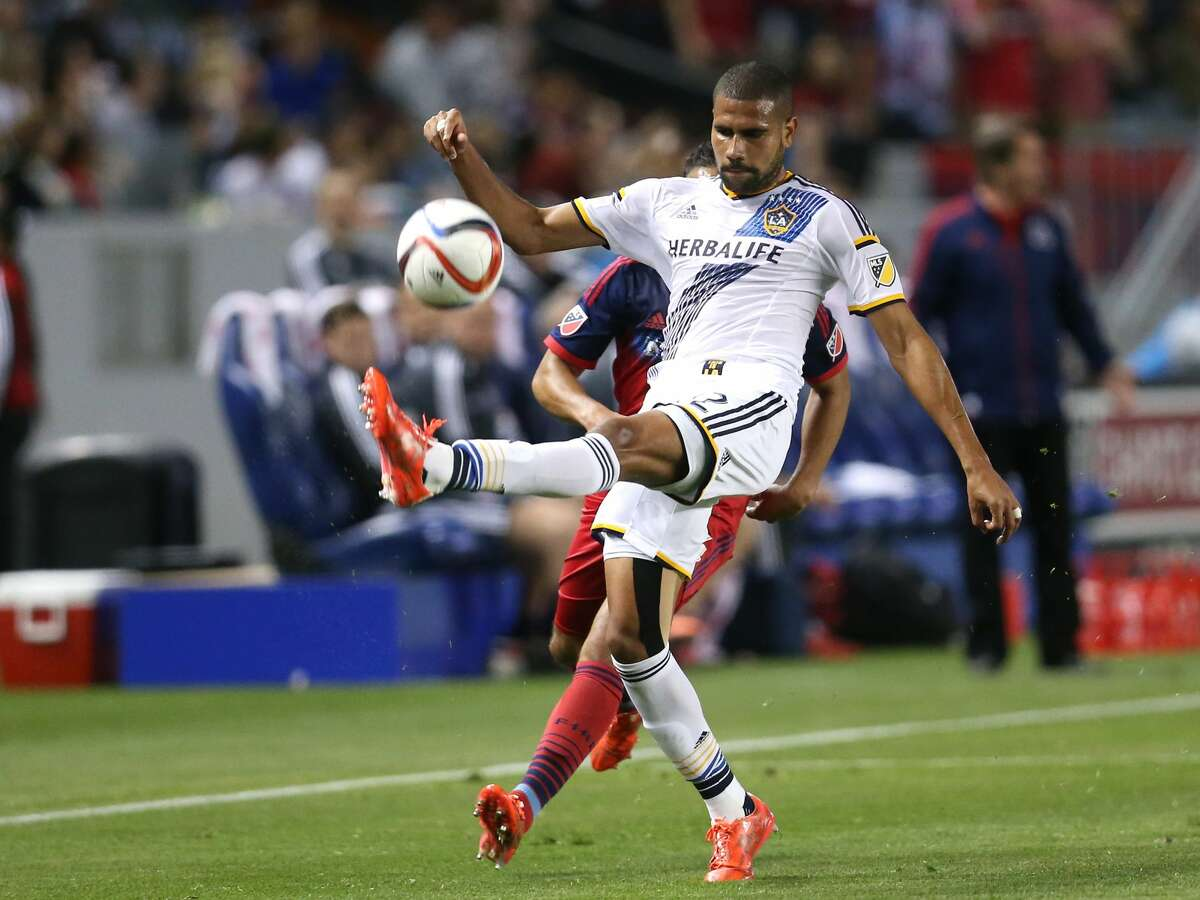 LOS ANGELES, CA - MARCH 06: Leonardo #22 of the Los Angeles Galaxy controls the ball against the Chicago Fire at StubHub Center on March 6, 2015 in Los Angeles, California. (Photo by Stephen Dunn/Getty Images)