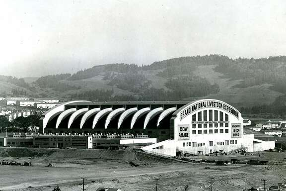 The Cow Palace in 1946 during the Grand National Livestock Convention. Nov. 20, 1946.