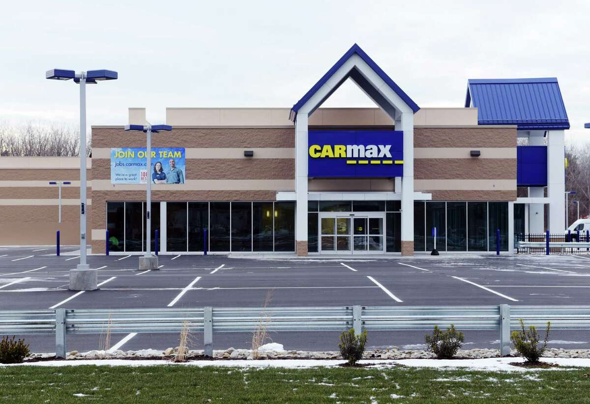 A view of the CarMax showroom on Central Ave., seen here on Tuesday, Dec. 20, 2016, in Colonie, N.Y. (Paul Buckowski / Times Union)