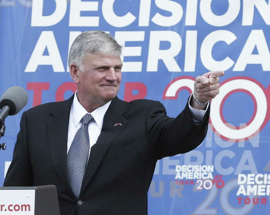 Franklin Graham speaks at a prayer rally attended by Governor Greg Abbott and Lt. Gov. Dan Patrick on April 26, 2016. Photo: TOM REEL, STAFF / SAN ANTONIO EXPRESS-NEWS / 2016 SAN ANTONIO EXPRESS-NEWS