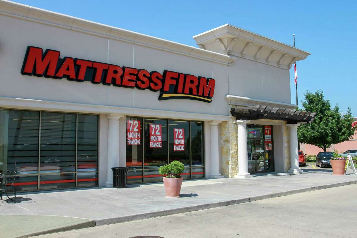 Mattress Firm at 9762 Katy Freeway. (For the Chronicle/Gary Fountain, May 20, 2016)