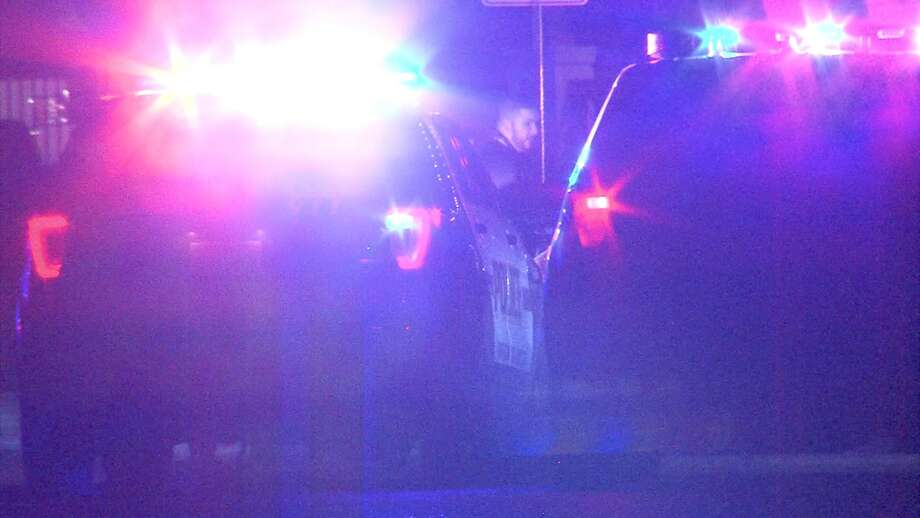 Police say two men were in an apartment about 3 a.m., Saturday, in the 31oo block of Thousand Oaks when a male in his twenties was shot in the abdomen. Photo: Pro 21 Video