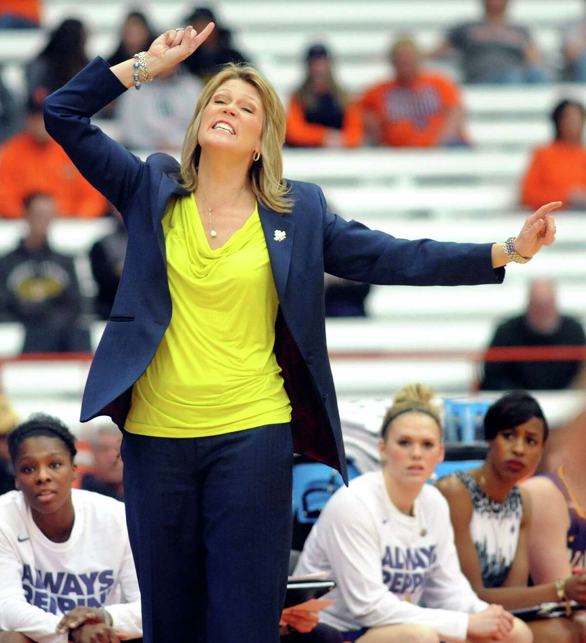 UAlbany's coach Katie Abrahamson-Henderson instructs her team during their NCAA second round basketball game against Syracuse on Sunday, March 20, 2016, at the Carrier Dome in Syracuse, N.Y. (Cindy Schultz / Times Union)