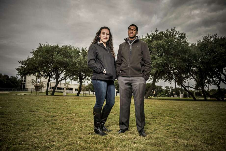 UTSA students Sophia Montemayor and Marcus Thomas made a video as part of efforts for a memorial garden to honor students at the school who have died. Photo: Carlos Javier Sanchez /For The San Antonio Express-News / pixereflex.com