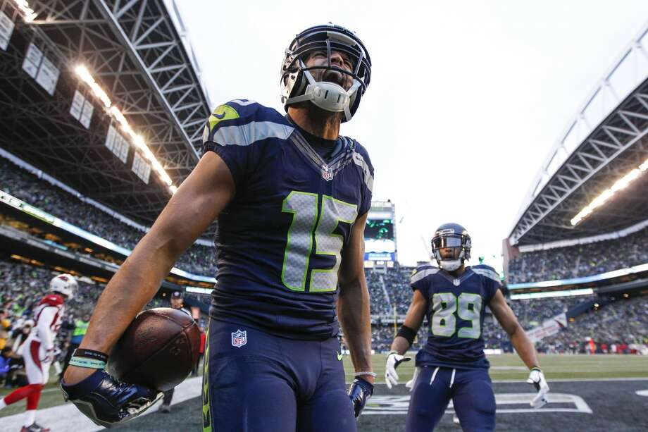 Dec 24, 2016; Seattle, WA, USA; Seattle Seahawks wide receiver Jermaine Kearse (15) celebrates his touchdown catch against the Arizona Cardinals during the third quarter at CenturyLink Field. Mandatory Credit: Joe Nicholson-USA TODAY Sports Photo: Joe Nicholson/USA Today Sports