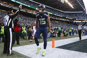 Dec 24, 2016; Seattle, WA, USA; Seattle Seahawks wide receiver Jermaine Kearse (15) celebrates his touchdown catch against the Arizona Cardinals during the third quarter at CenturyLink Field. Mandatory Credit: Joe Nicholson-USA TODAY Sports