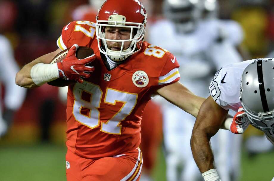 The Chiefs could have their playoff berth assured before kickoff against the Broncos tonight provided the Pittsburgh Steelers knock off the Baltimore Ravens earlier in the day. Photo: Reed Hoffmann, FRE / FR48783 AP
