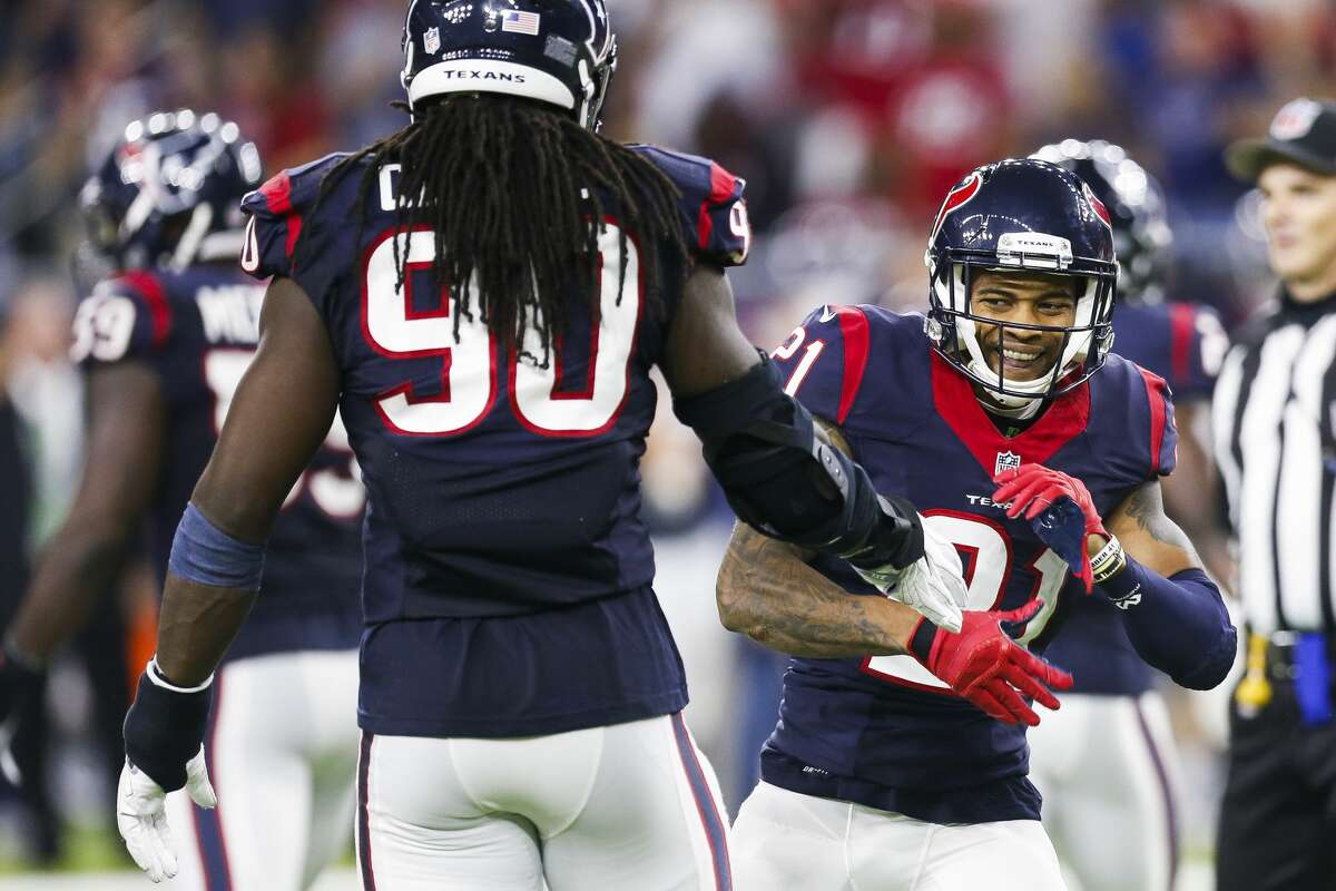 JOHN McCLAIN'S GUIDE TO THE GAME FOUR THINGS TO WATCH Can defense finish first? Romeo Crennel's defense has a chance to finish first for the first time in the team's 15-year history. The Texans allow 305.7 yards a game. Minnesota is second (314.3). They surrendered 320 yards in their 27-20 victory over the Titans at NRG Stadium on Oct. 2. With Marcus Mariota at quarterback, they ranked ninth (366.1) in offense, including third (138.9) in rushing. With Matt Cassel taking over for the injured Mariota, Tennessee's offense shouldn't be as potent. If the Titans reach the red zone, look out. Mariota helped them rank first in red zone touchdowns, converting 72.3 percent.