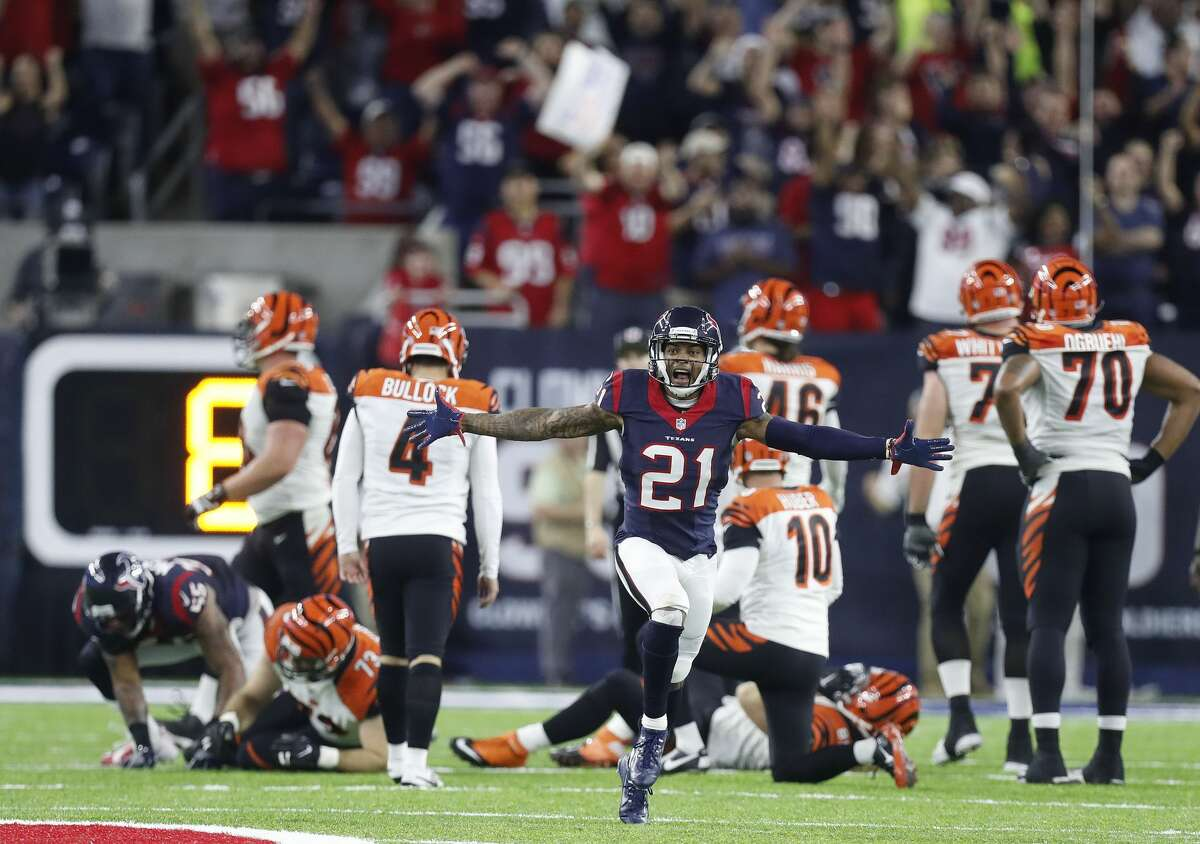 Houston Texans cornerback A.J. Bouye (21) reacts after Cincinnati Bengals kicker Randy Bullock (4) misses a field goal giving the Texans the 12-10 win during the fourth quarter of an NFL football game at NRG Stadium, Saturday,Dec. 24, 2016 in Houston. ( Karen Warren / Houston Chronicle )