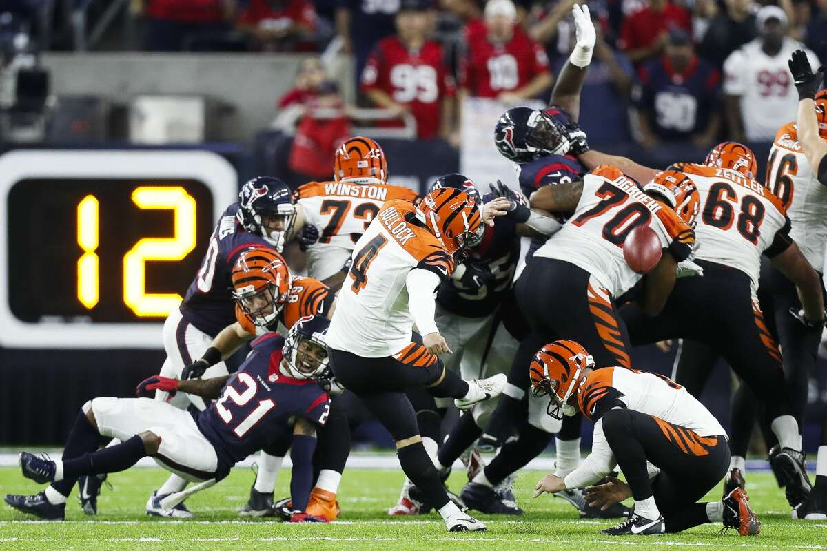 Cincinnati Bengals kicker Randy Bullock (4) misses a field goal to send the Houston Texans to the playoffs during the fourth quarter of an NFL football game at NRG Stadium, Saturday,Dec. 24, 2016 in Houston. ( Karen Warren / Houston Chronicle )
