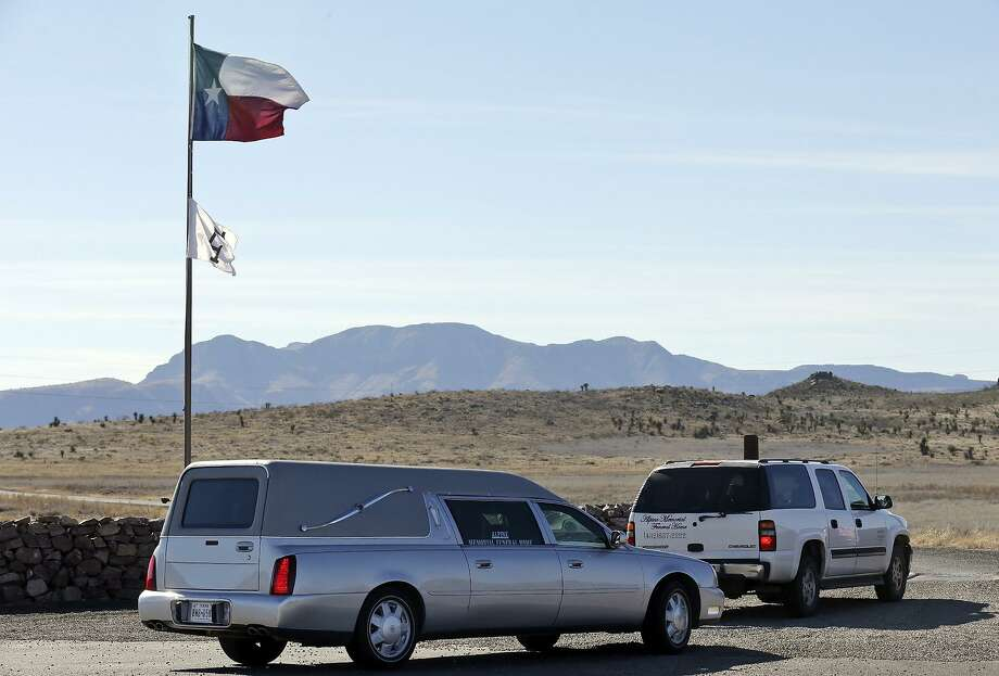 A hearse and SUV enter the Cibolo Creek Ranch Saturday Feb. 13, 2016 on U.S. 67 near Shafter, Tx., where U.S. Supreme Court Justice Antonin Scalia died. Photo: Edward A. Ornelas, Staff / San Antonio Express-News / © 2016 San Antonio Express-News