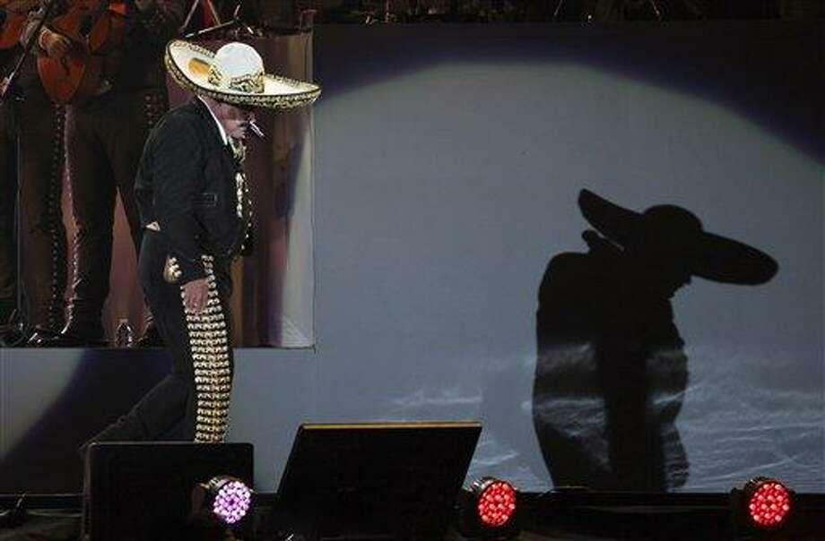 Vicente Fernandez en su concierto de despedida en el Estadio Azteca en la Ciudad de México en una fotografía de archivo del 16 de abril de 2016. El 2016 fue un año duro para la música regional mexicana. Photo: Foto Por Marco Ugarte|AP / AP