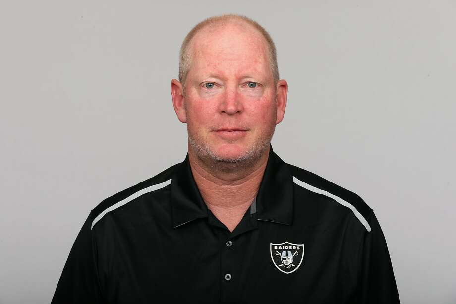 Bill Musgrave helped the Raiders to their only playoff berth in the past 17 seasons in 2016. Photo: / AP