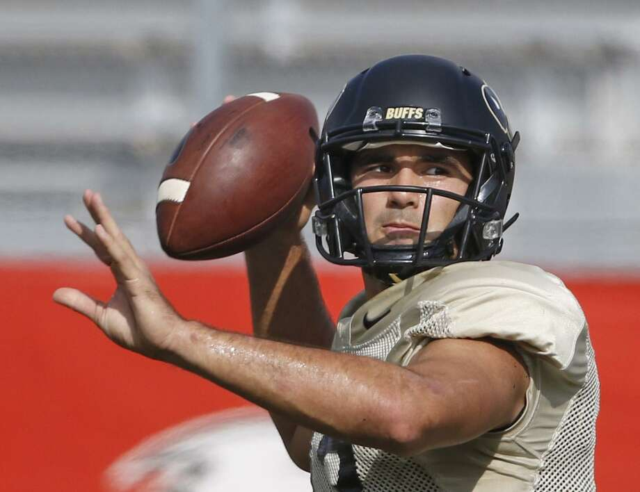 Sefo Liufau Colorado QBs Sefo Liafu throws at practice at Incarnate Word College on Monday,12.26.2016. Photo: Ron Cortes / For The Express-News / Freelance