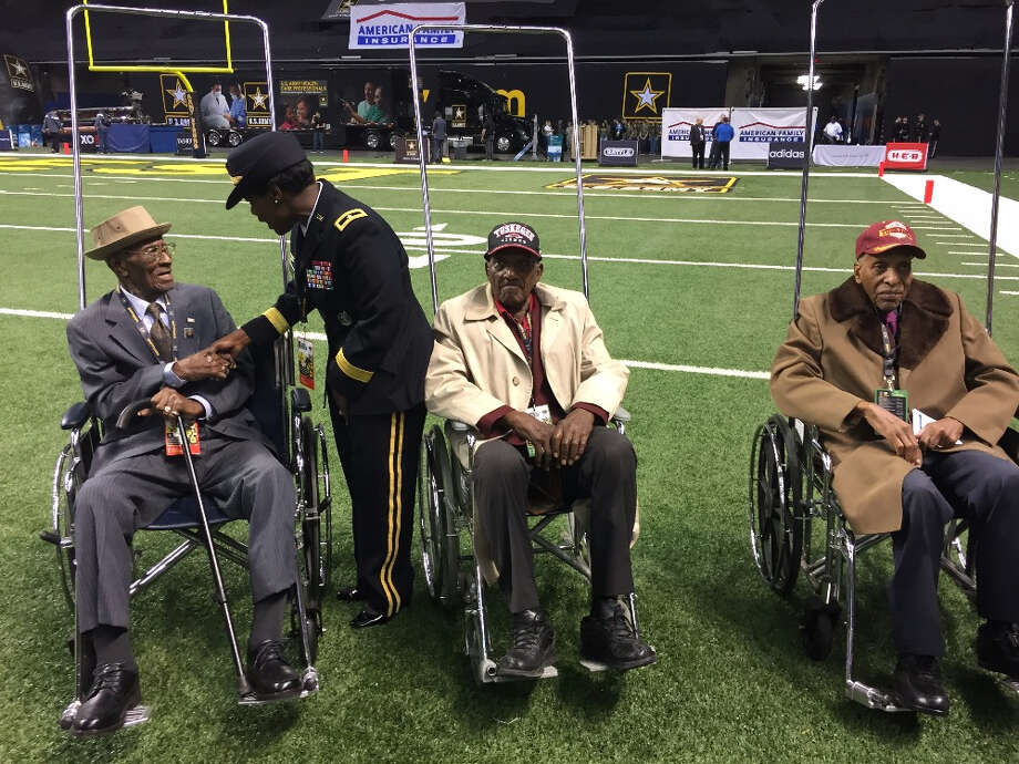 Richard Overton, (left), is greeted at the Army All-American Alamo Bowl in San Antonio Jan. 9, 2016. Photo: Courtesy/GoFundMe