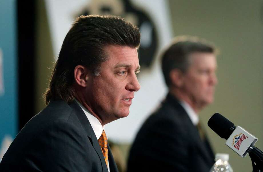 Oklahoma State Coach Mike Gundy S Mullet Is Magical San