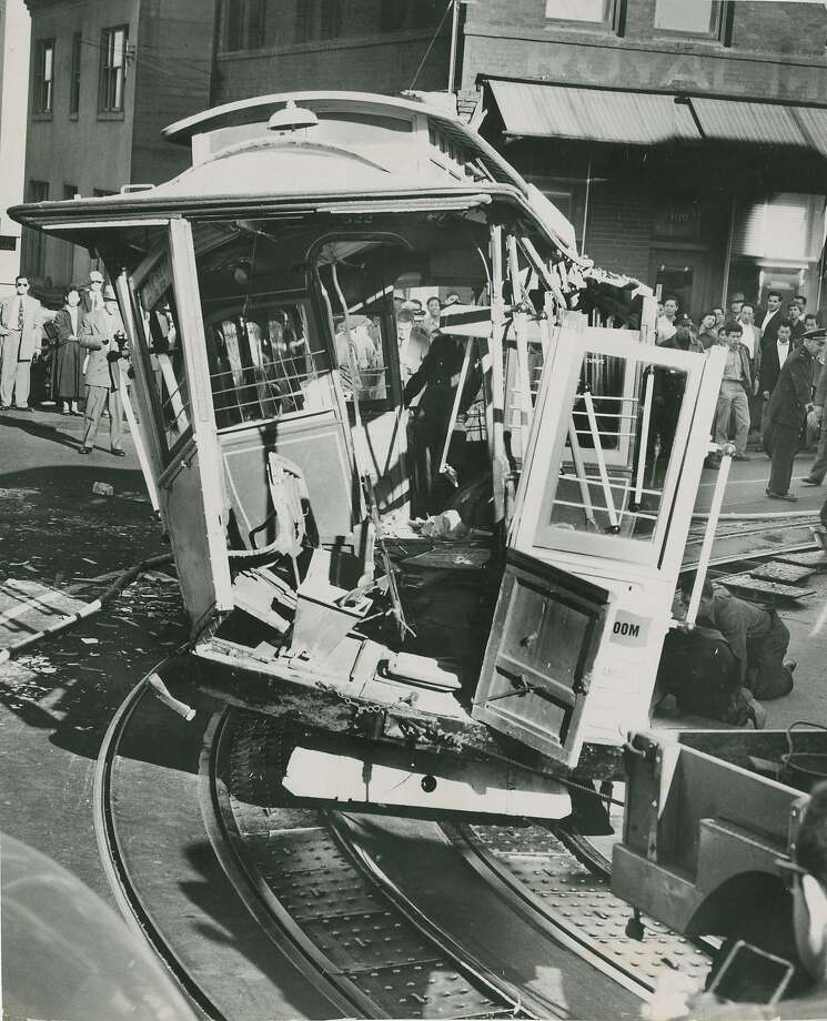 Cable car accident at the corner of Powell and Jackson Streets in San Francisco, September 16, 1955. Photo: Bob Campbell, San Francisco Chronicle